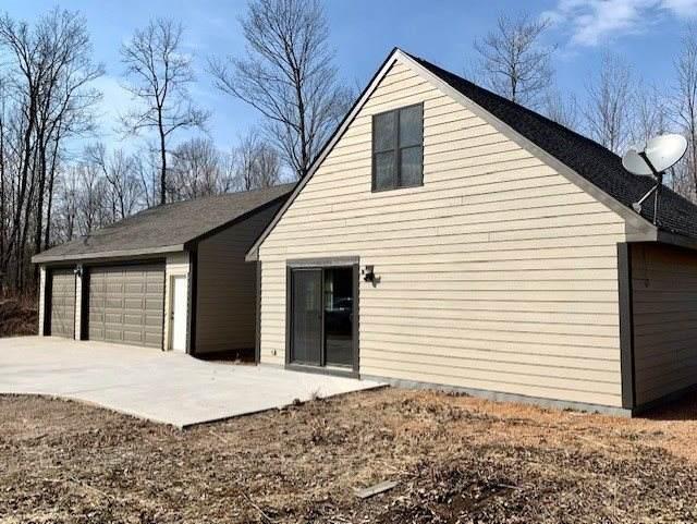 W17072 Beetle Creek Road, Tigerton, WI 54486 (#50220141) :: Todd Wiese Homeselling System, Inc.