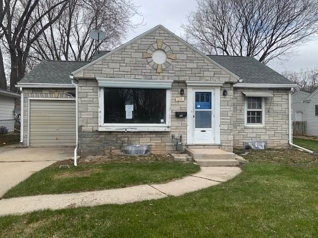 1114 9TH Street, Green Bay, WI 54304 (#50221118) :: Todd Wiese Homeselling System, Inc.