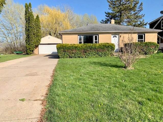2347 East River Drive, Green Bay, WI 54301 (#50221980) :: Symes Realty, LLC