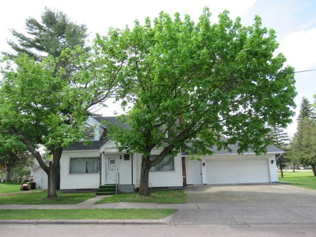 711 NE 2ND Street, Marion, WI 54950 (#50222426) :: Todd Wiese Homeselling System, Inc.