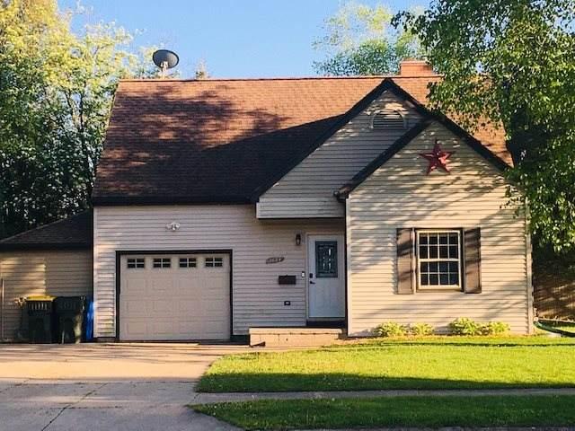 1024 Vliet Street, Kewaunee, WI 54216 (#50223132) :: Todd Wiese Homeselling System, Inc.