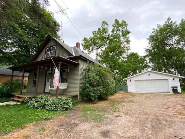 E1579 Murray Lane, Waupaca, WI 54981 (#50224077) :: Todd Wiese Homeselling System, Inc.