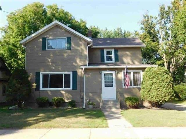 110 10TH Street, Clintonville, WI 54929 (#50225504) :: Ben Bartolazzi Real Estate Inc
