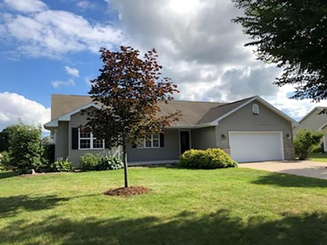 N1832 Medina Drive, Greenville, WI 54942 (#50226074) :: Carolyn Stark Real Estate Team