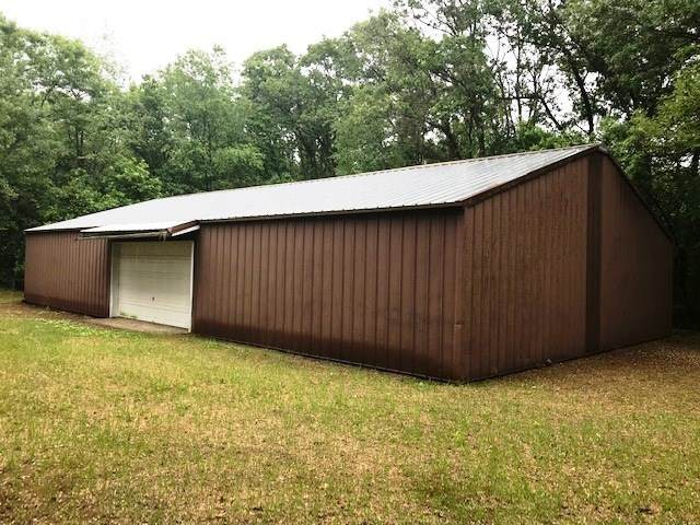 E1541 Pine Lane, Waupaca, WI 54981 (#50226309) :: Symes Realty, LLC