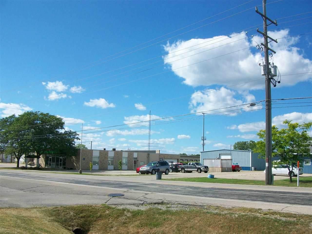 2140 Spencer Street - Photo 1