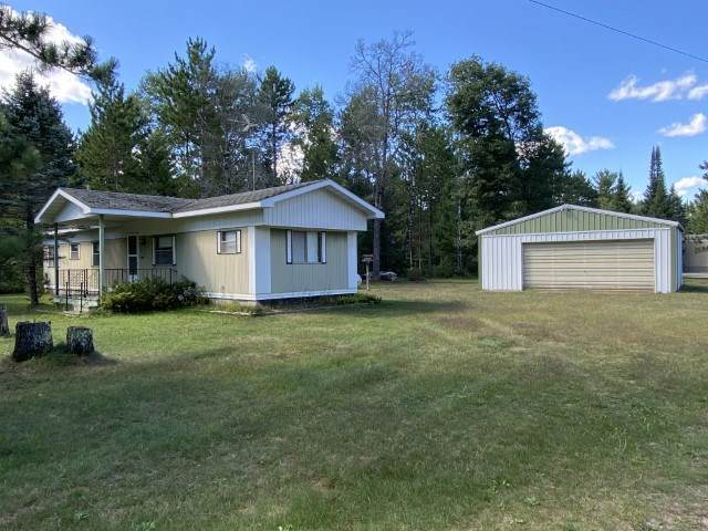 W10872 Lilac Lane, Crivitz, WI 54114 (#50229127) :: Ben Bartolazzi Real Estate Inc