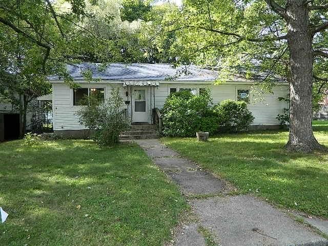 428 5TH Street, Waupaca, WI 54981 (#50229662) :: Carolyn Stark Real Estate Team