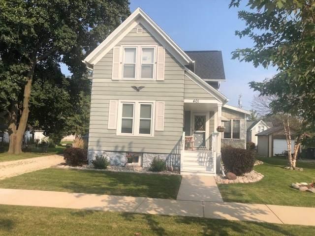 401 Walker Street, Fond Du Lac, WI 54935 (#50229885) :: Symes Realty, LLC