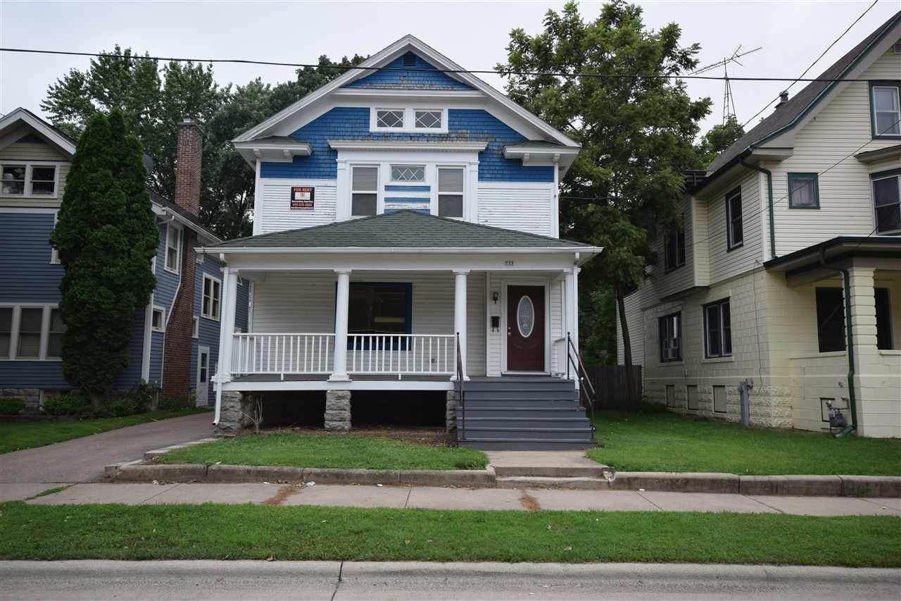 733 Wright Street - Photo 1