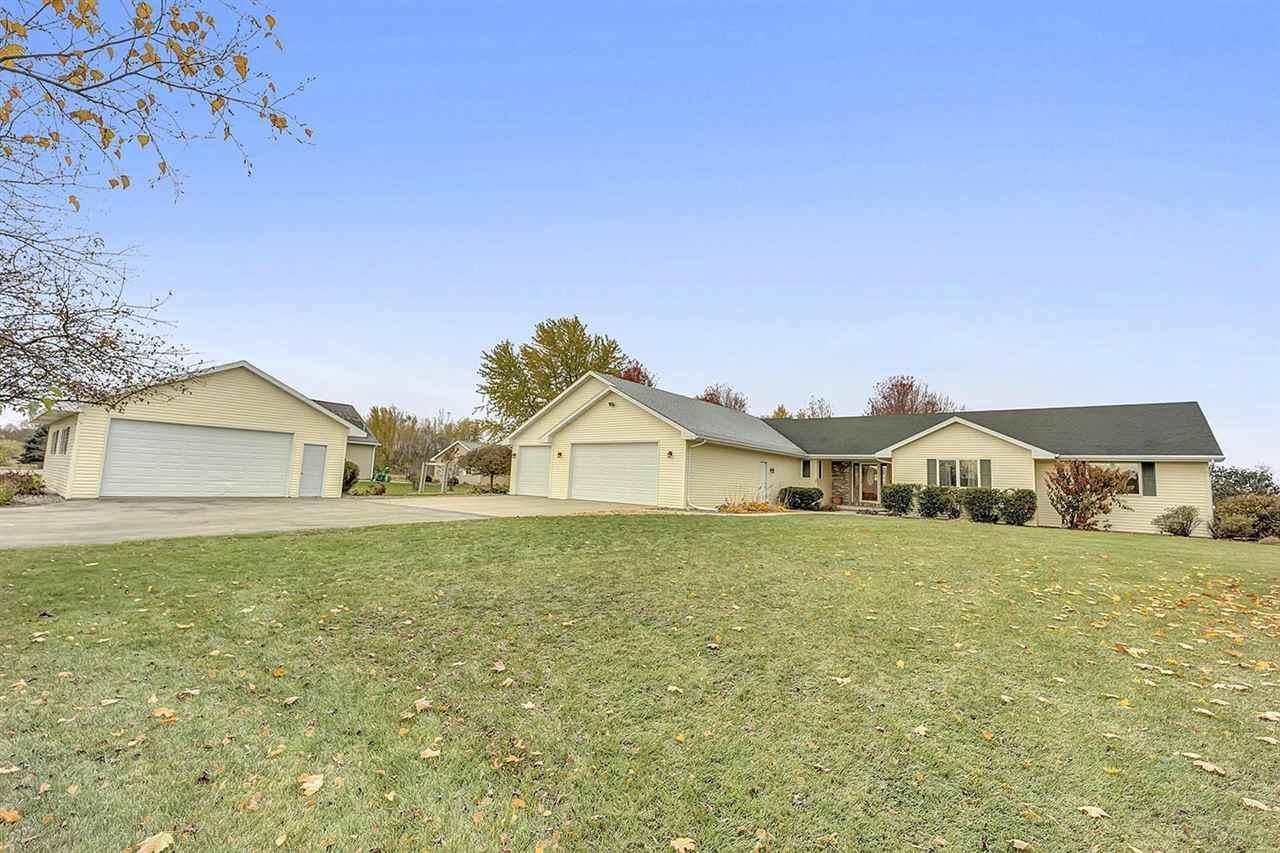 N8553 Woodland Drive - Photo 1