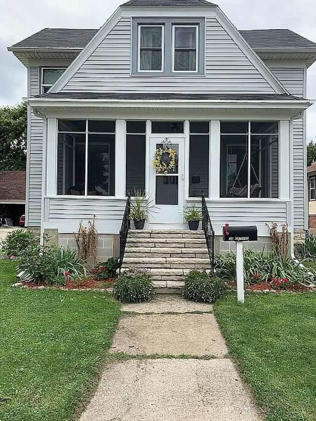 28 Cottage Avenue, Fond Du Lac, WI 54935 (#50231419) :: Ben Bartolazzi Real Estate Inc