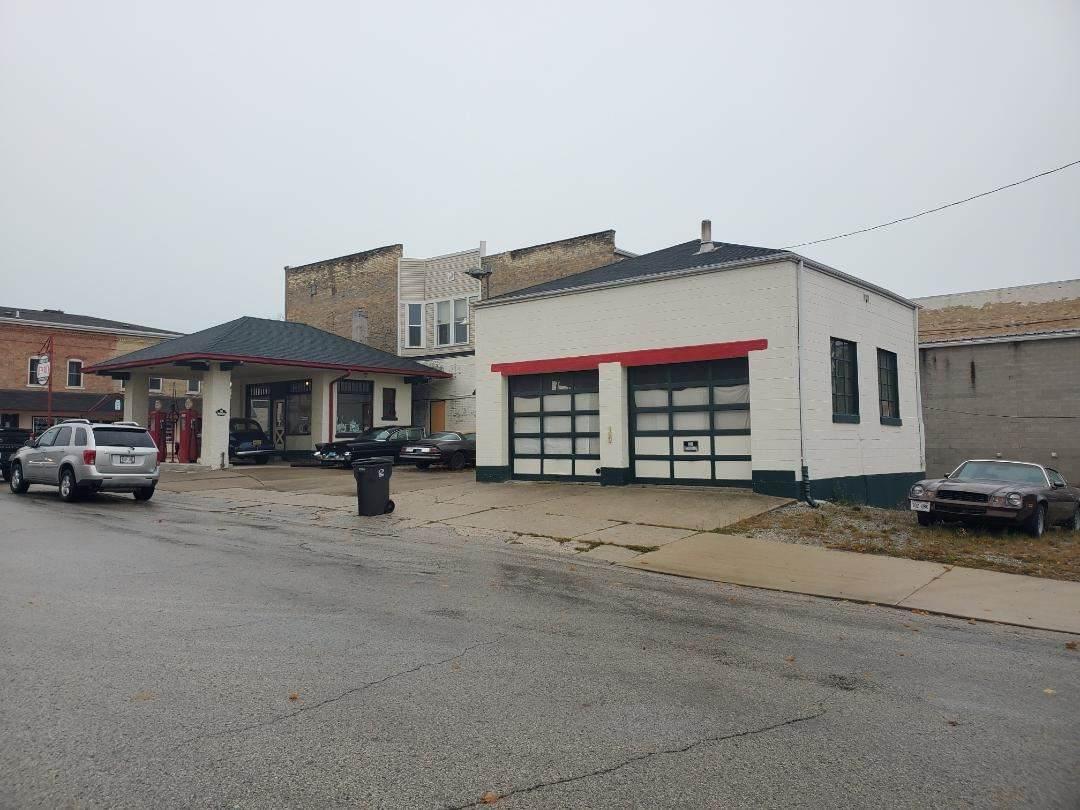 402 Steele Street - Photo 1