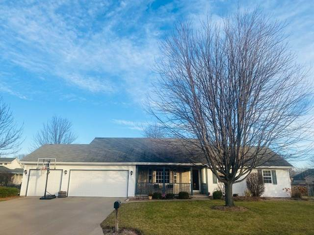 1579 Whirlaway Court, Neenah, WI 54956 (#50233116) :: Ben Bartolazzi Real Estate Inc