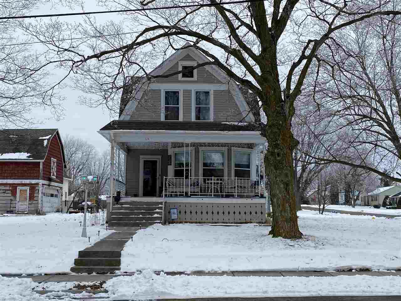 614 Maple Street - Photo 1