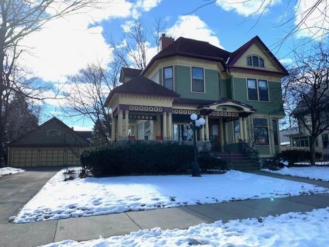 837 E College Avenue, Appleton, WI 54911 (#50234701) :: Carolyn Stark Real Estate Team
