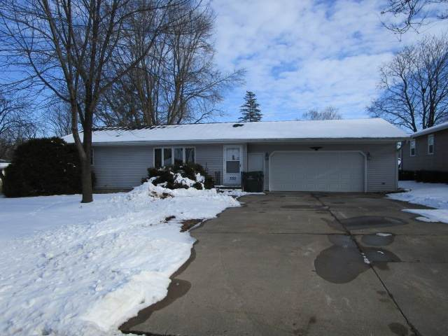332 S Park Lane, Seymour, WI 54165 (#50234720) :: Town & Country Real Estate