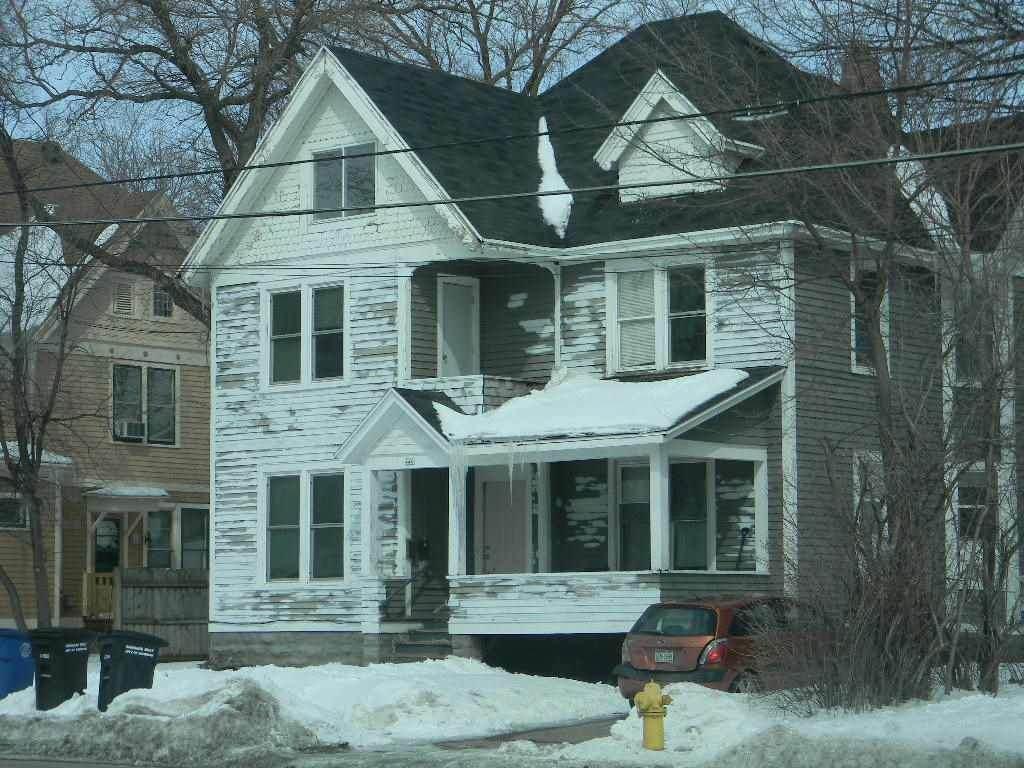 440 Church Avenue - Photo 1