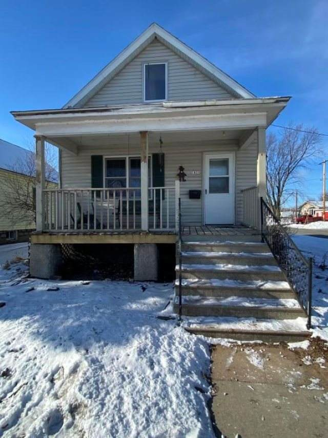 1821 10TH Street, Menominee, MI 49858 (#50234951) :: Town & Country Real Estate