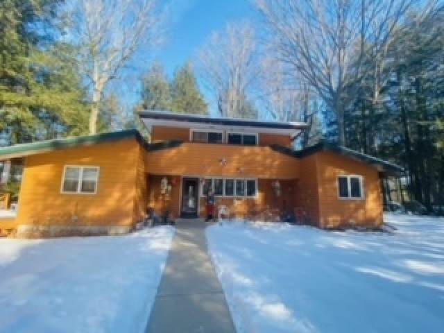 W11420 Riverside Road, Marion, WI 54950 (#50235333) :: Town & Country Real Estate