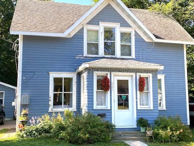 421 W Fulton Street, Waupaca, WI 54981 (#50235368) :: Town & Country Real Estate