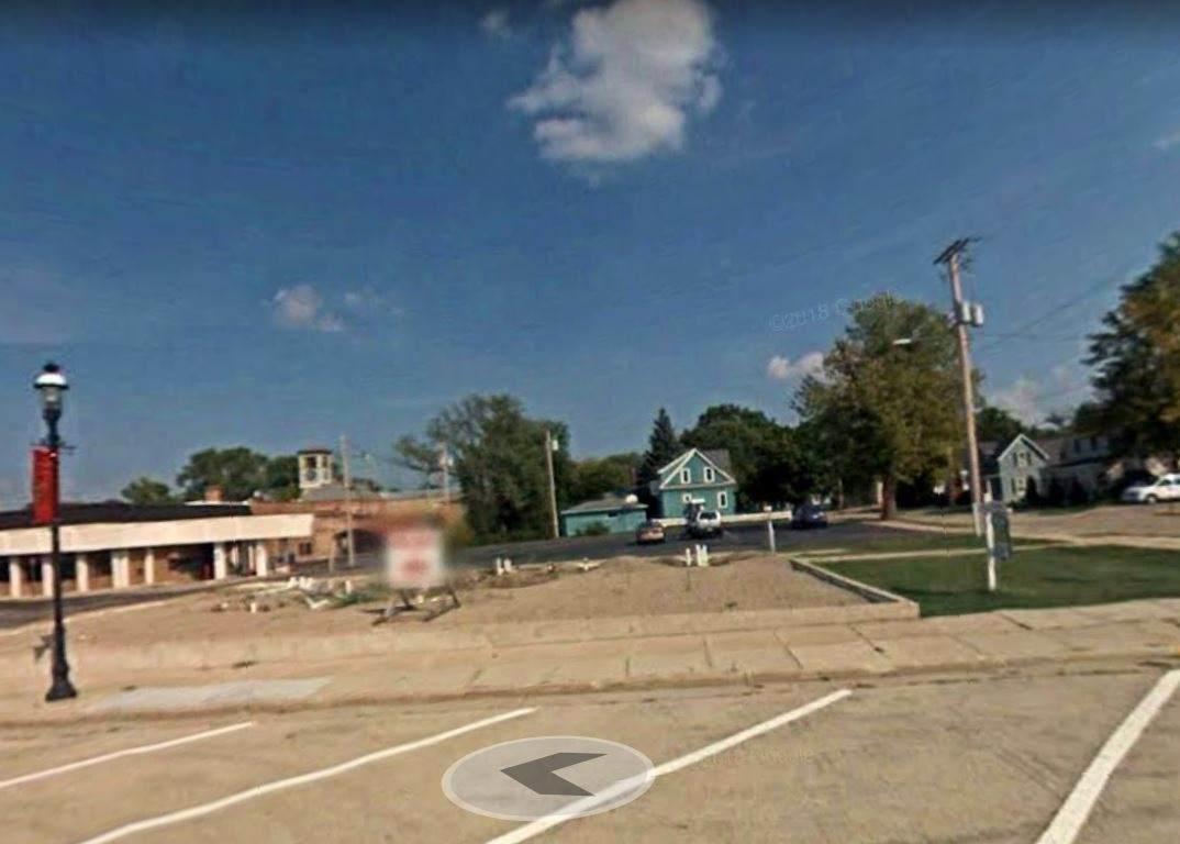 122 Webster Avenue - Photo 1