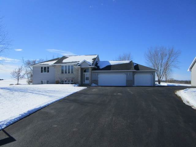 N8401 Town Hall Road, Black Creek, WI 54106 (#50235927) :: Town & Country Real Estate