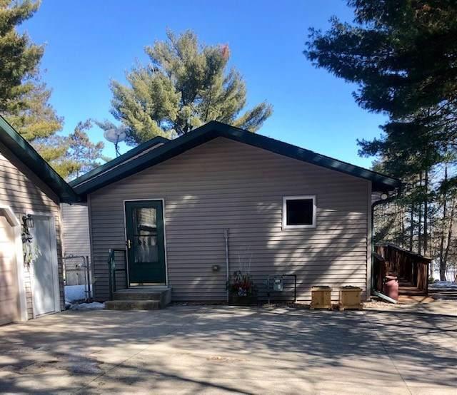 N1188 Chalet Drive, Waupaca, WI 54981 (#50236368) :: Symes Realty, LLC