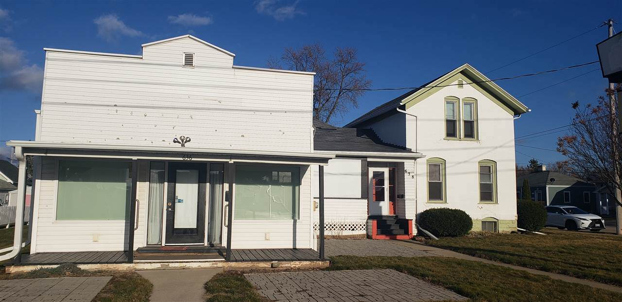 636 Commercial Street - Photo 1