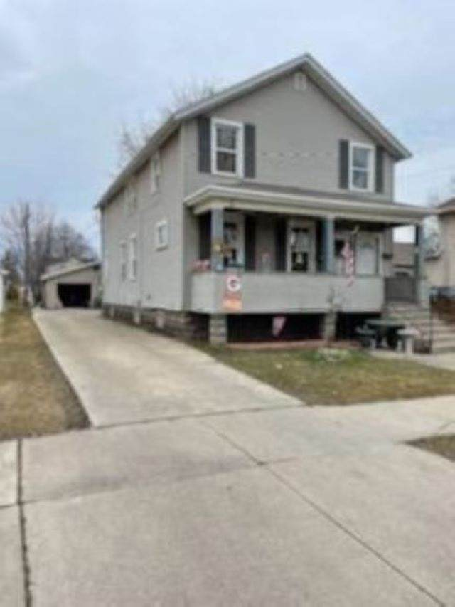 306 S Jackson Street, Green Bay, WI 54301 (#50238072) :: Dallaire Realty