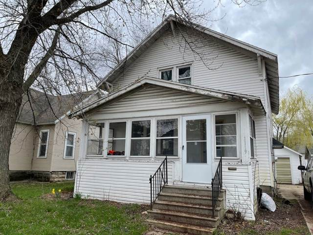 1119 Richmond Street - Photo 1