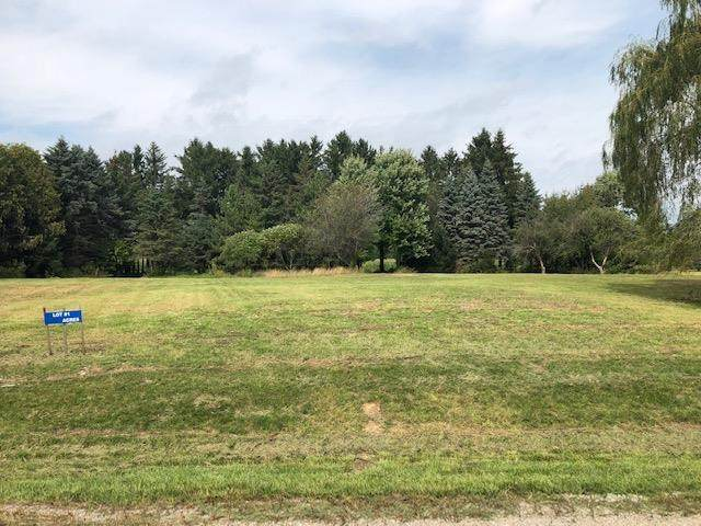 3650 Sawmill Court, Suamico, WI 54313 (#50239243) :: Dallaire Realty