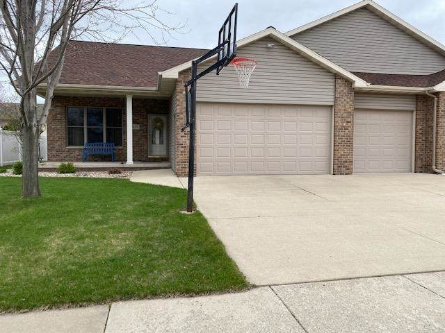 817 Doerfler Drive, Kimberly, WI 54136 (#50239697) :: Symes Realty, LLC