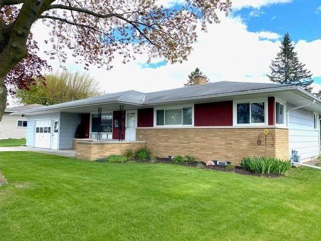734 2ND Street, Kiel, WI 53042 (#50239899) :: Todd Wiese Homeselling System, Inc.