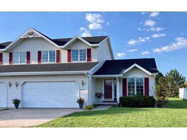 W5803 Skippers Lane, Appleton, WI 54915 (#50240205) :: Dallaire Realty