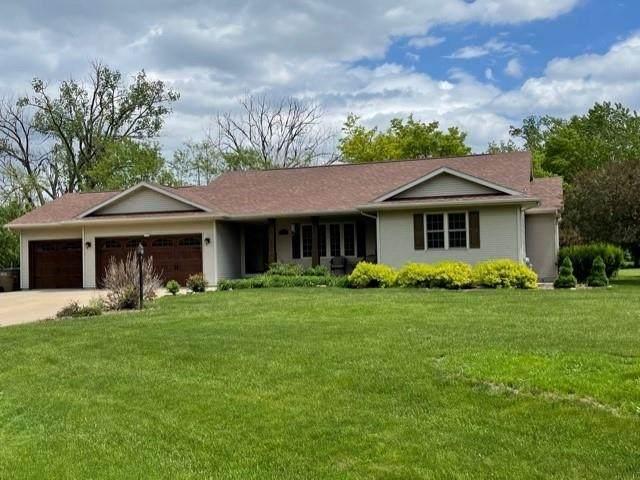 1420 Willow Springs Road, Oshkosh, WI 54904 (#50241144) :: Carolyn Stark Real Estate Team