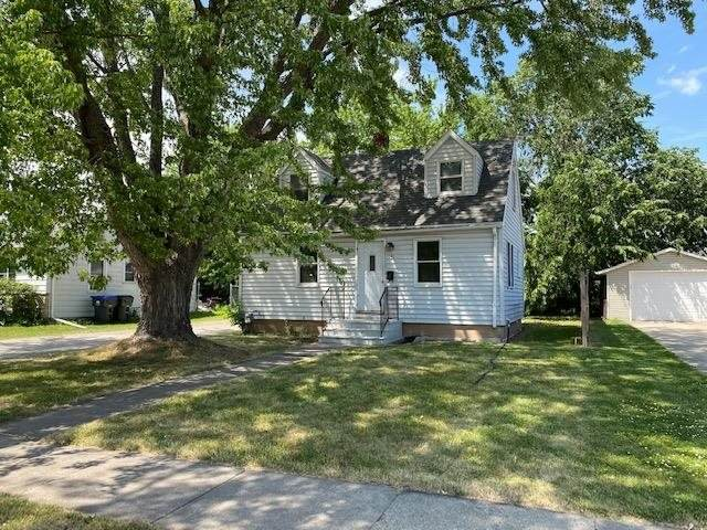 141 Hazel Street, Neenah, WI 54956 (#50242125) :: Town & Country Real Estate