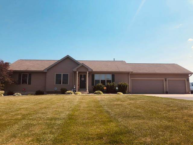 W5319 Brugger Road, Black Creek, WI 54106 (#50242422) :: Todd Wiese Homeselling System, Inc.