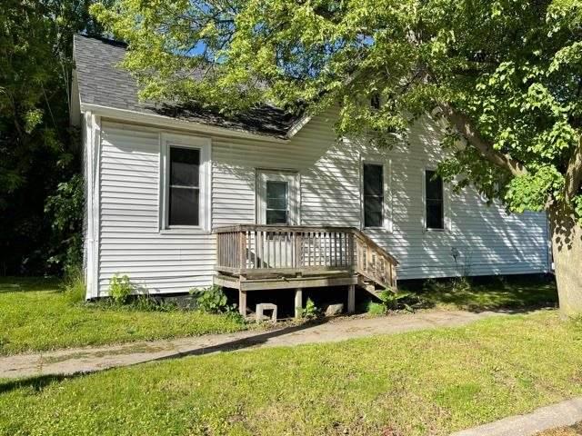 301 Irwin Street - Photo 1