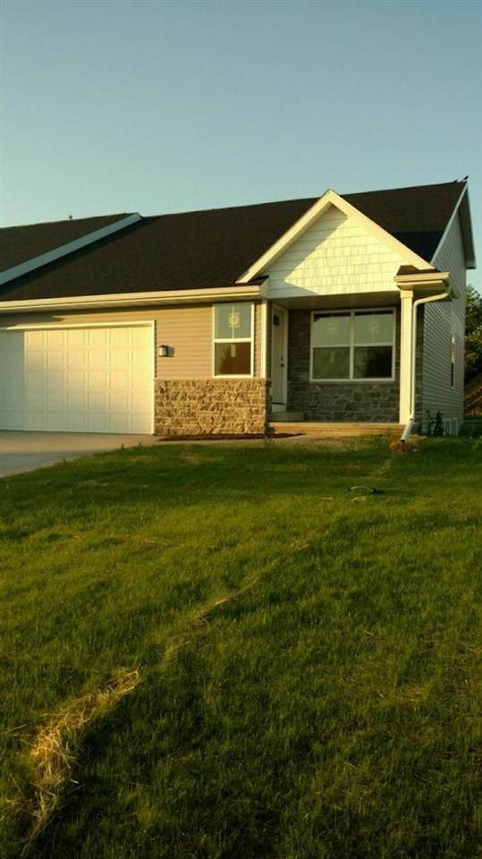 905 Highland Park Road, Neenah, WI 54956 (#50243867) :: Todd Wiese Homeselling System, Inc.