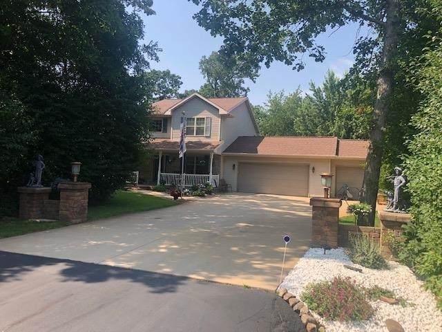 2620 Westmoor Road, Oshkosh, WI 54904 (#50244817) :: Carolyn Stark Real Estate Team