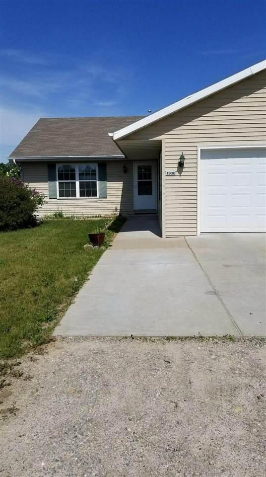 N1936 Lind Center Road, Waupaca, WI 54981 (#50245153) :: Carolyn Stark Real Estate Team