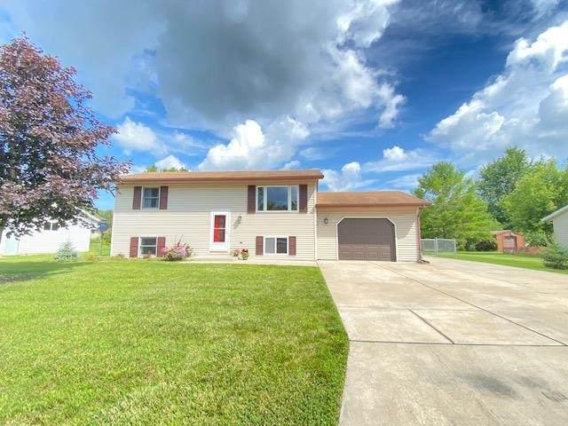 157 Nancy Lane, Pulaski, WI 54162 (#50245256) :: Ben Bartolazzi Real Estate Inc