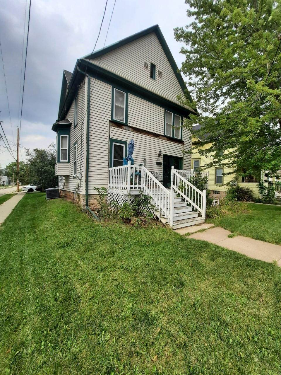 304 Forest Avenue - Photo 1