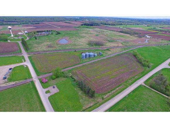 850 Manor Drive, Weyauwega, WI 54983 (#50143144) :: Dallaire Realty