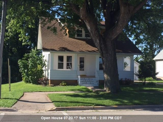 705 Park, Wrightstown, WI 54180 (#50167628) :: Dallaire Realty