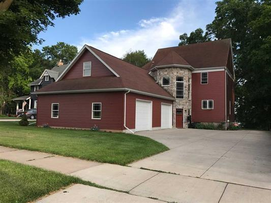 611 W Wisconsin Avenue, Kaukauna, WI 54169 (#50179045) :: Todd Wiese Homeselling System, Inc.