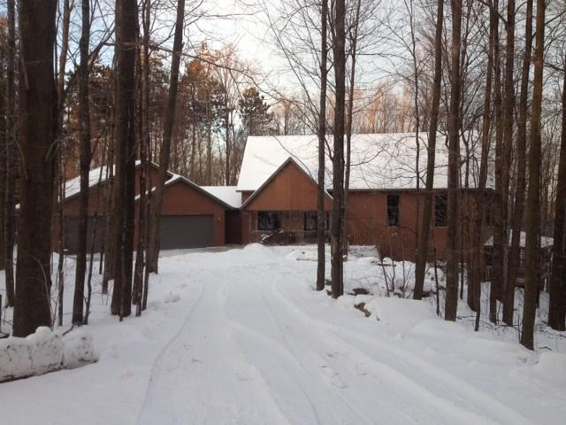 E7696 Horn Road, Marion, WI 54950 (#50186335) :: Dallaire Realty