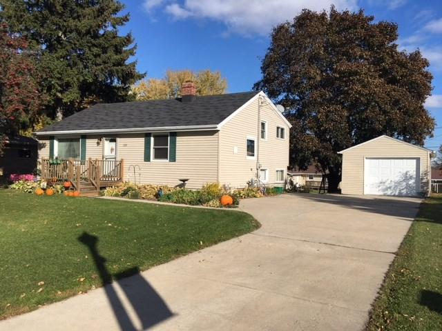 1324 Main Street, Luxemburg, WI 54217 (#50193614) :: Todd Wiese Homeselling System, Inc.