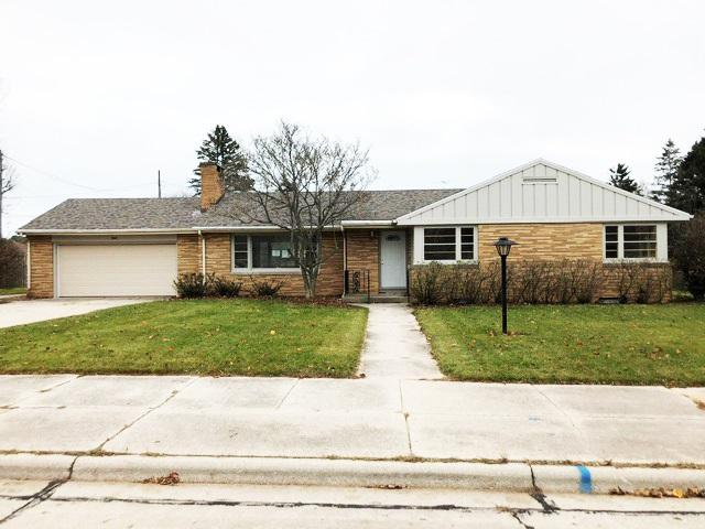2819 35TH Street, Two Rivers, WI 54241 (#50194055) :: Dallaire Realty